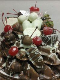 Favors & Flavors Chocolate Covered Fruit Basket Trays Philadelphia PA